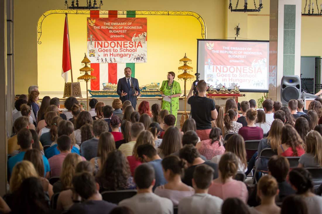 A Táncsicsba látogatott az indonéz nagykövet
