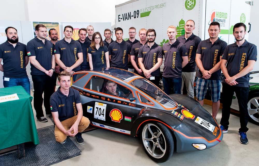 Egyedi elektromos autót fejlesztettek győri egyetemisták