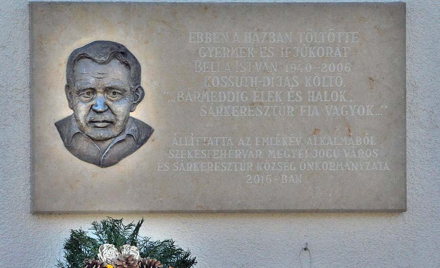 Domborművet avattak Bella István tiszteletére Sárkeresztúron
