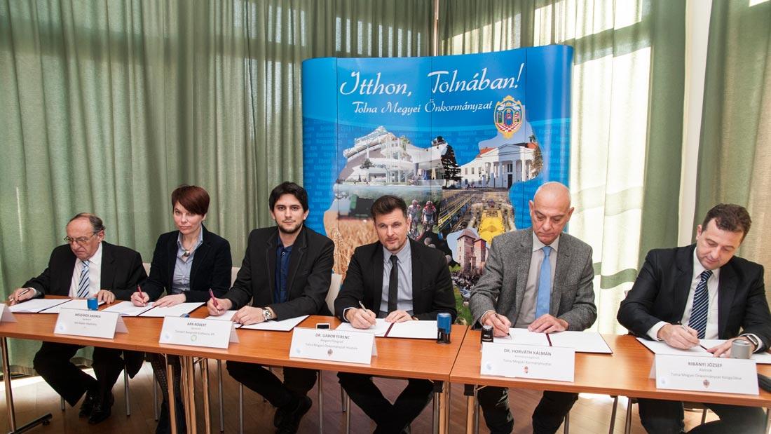 Paktummal segítik a foglalkoztatást Tolna megyében