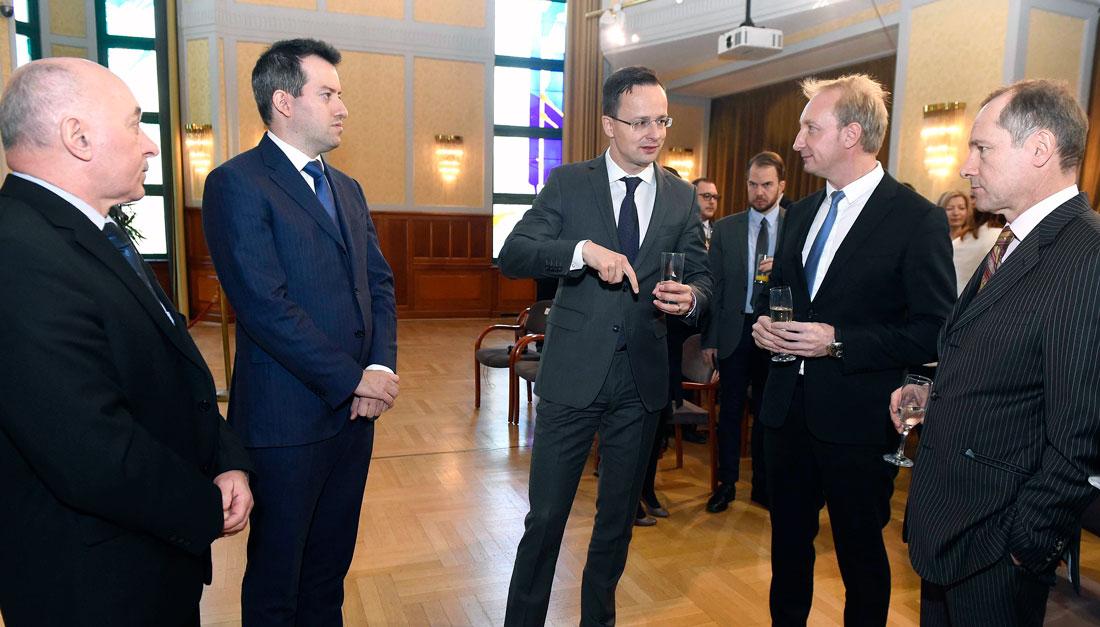 Csaknem tízmilliárd forintos beruházással 350 új munkahelyet hoz létre a Le Bélier
