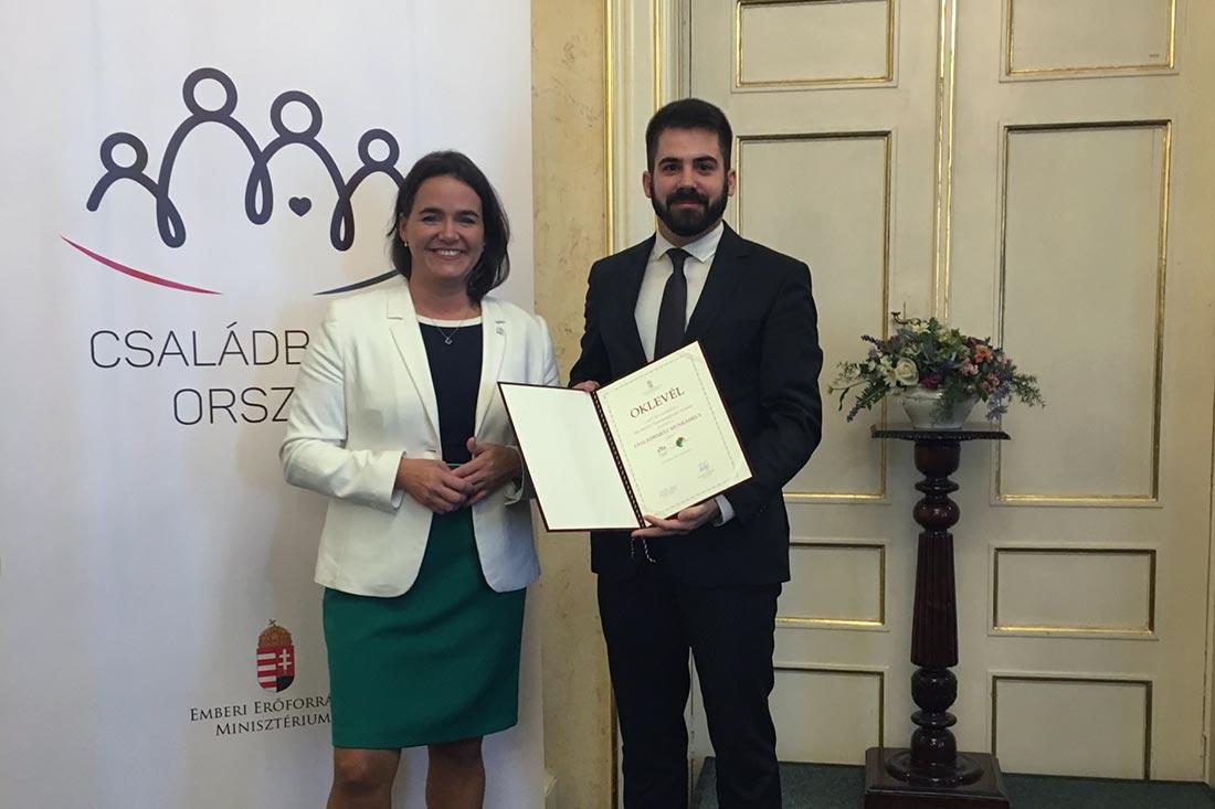Családbarát díjat kapott a Vas Megyei Önkormányzati Hivatal