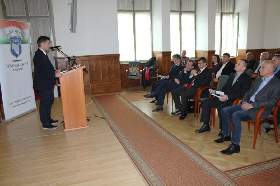 Szekszárdon tartott előadást a megyei bűnmegelőzési tanács