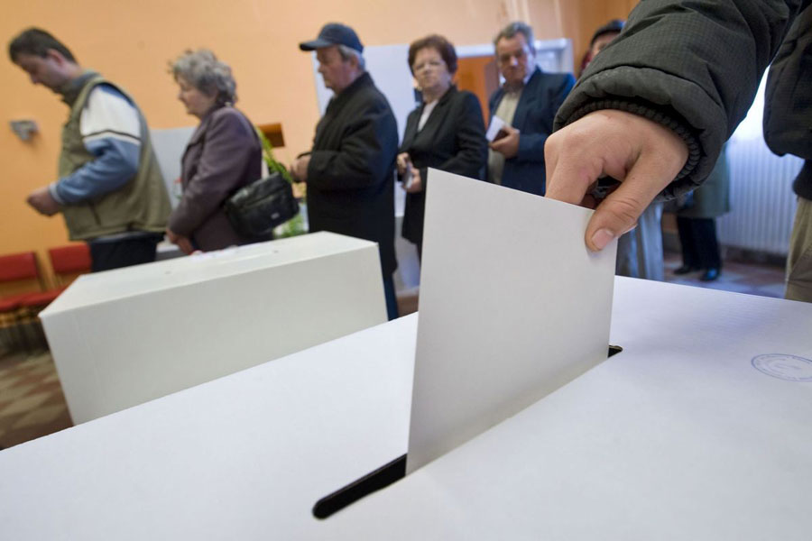 A független Váradiné Vincze Szilvia nyerte az időközi választást Kisszekeresen