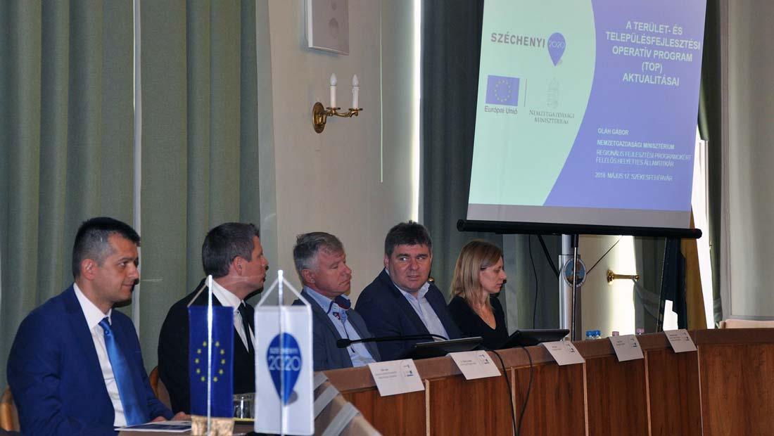 A TOP projektek megvalósulását elősegítő szakmai napot tartottak Székesfehérváron