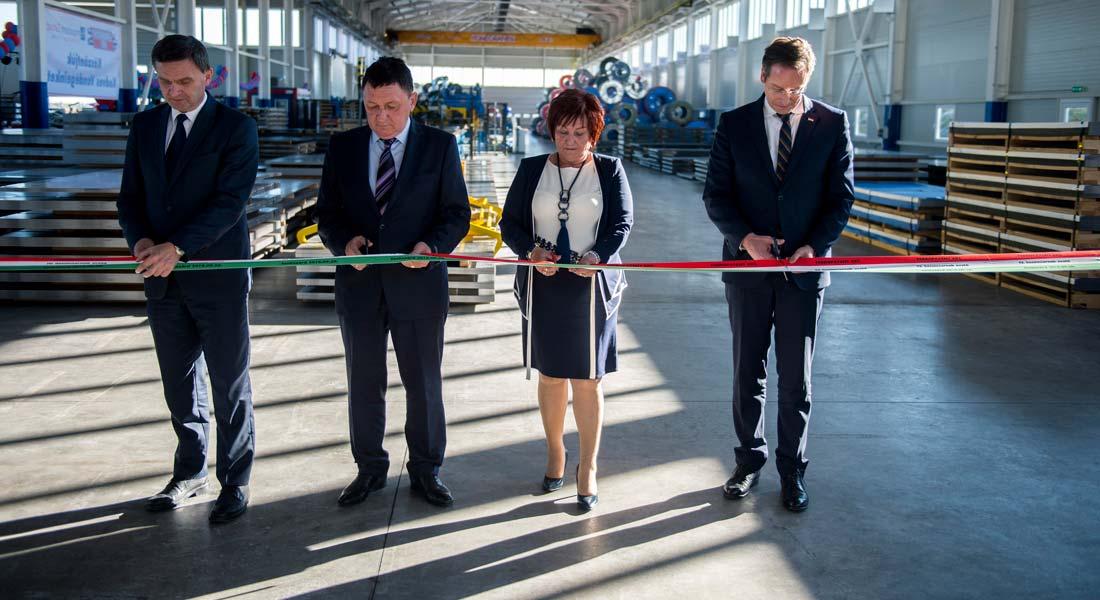 Átadták a szekszárdi Ferropatent Zrt. 2 milliárd forintból elkészült üzemcsarnokát