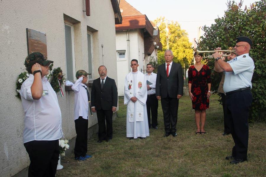 Emléktáblát avattak Veszprém megye első alispánja, Rosos István emlékére