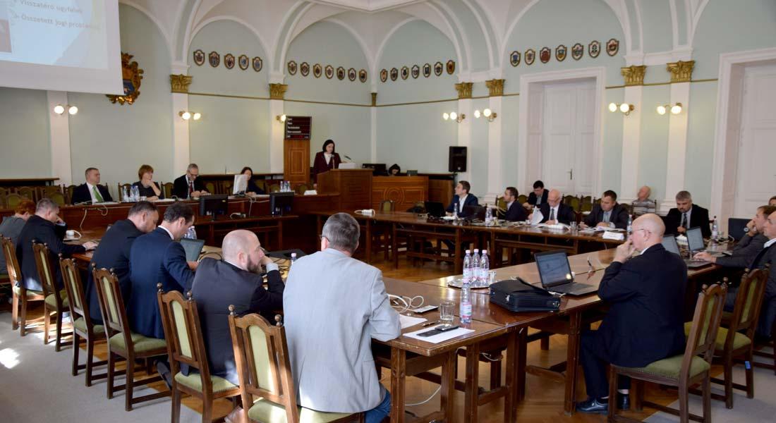 Tájékoztatókat hallgatott meg a Jász-Nagykun-Szolnok Megyei Közgyűlés