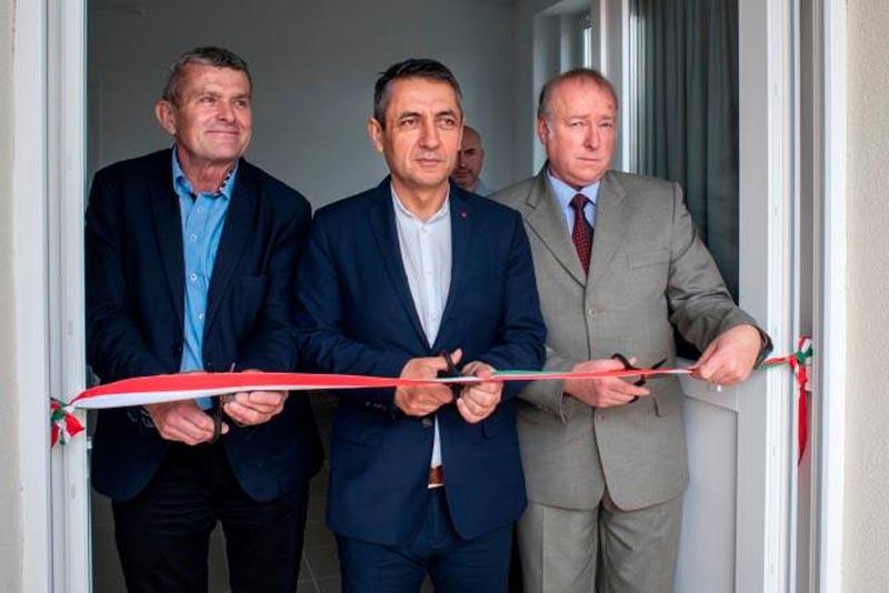 Közel 76 millió forint támogatással újult meg a hőgyészi orvosi rendelő