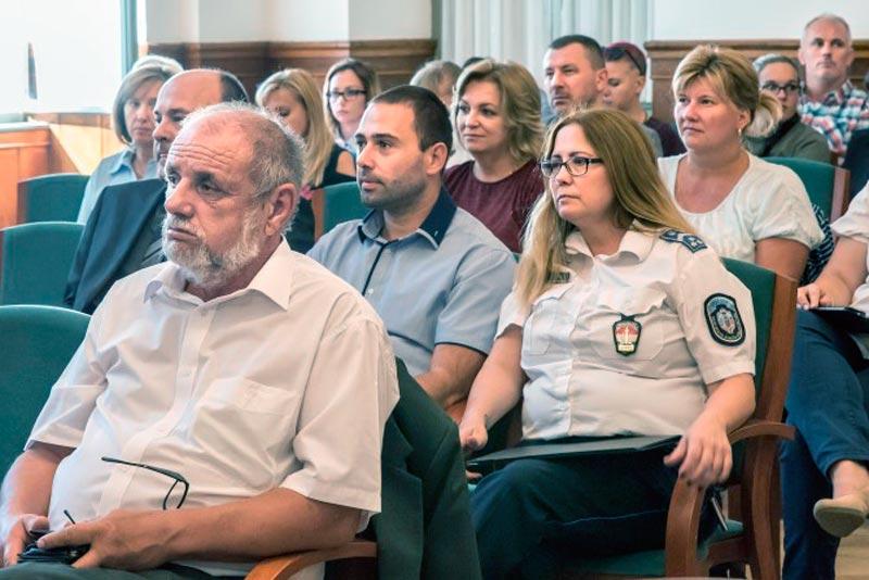 Kábítószerek és drogok címmel tartott konferenciát a Tolna Megyei Bűnmegelőzési Tanács