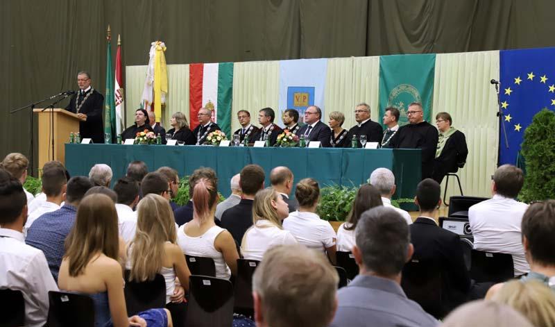 Megnyitották a 222. tanévet a Pannon Egyetem Georgikon Karán