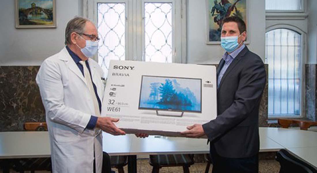Elnöki adomány a kórháznak Fejér megyében