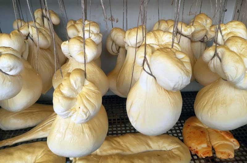"""Kobolya Sajtműhely – """"Gömböc"""" füstölt sajt"""