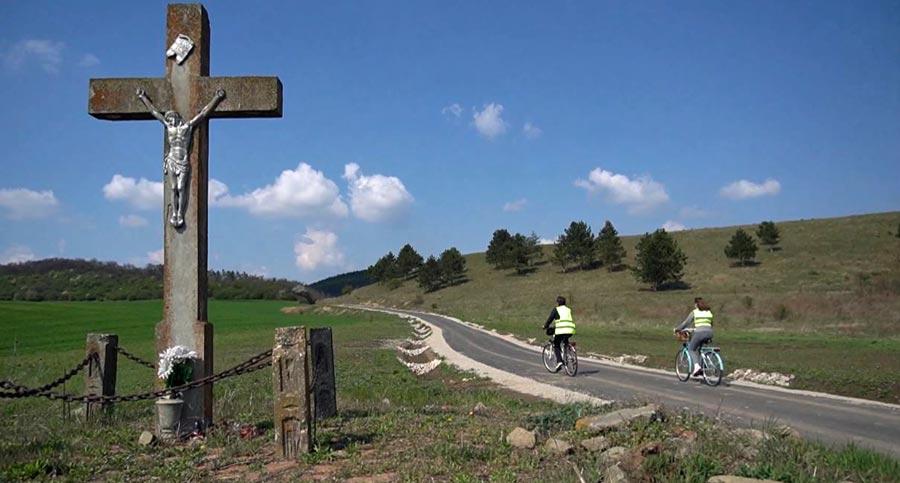 Elkészült a határon átnyúló kerékpáros zarándokút – konferencián értékelték a megvalósítást